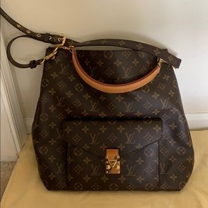 Louis Vuitton Monogram Métis Hobo Bag